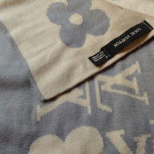 Louis Vuitton Accessories - Louis Vuitton Vintage Scarf authentic